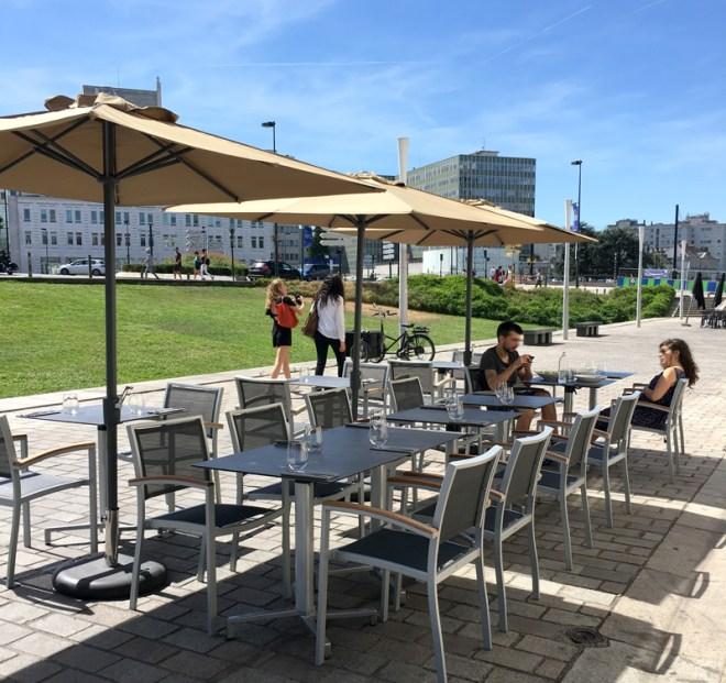 La terrasse du Robin's : restaurant design et moderne à Nantes et bar à desserts chic