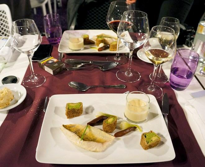 Filet de sandre, crème de rhubarbe, maki à la bretonne