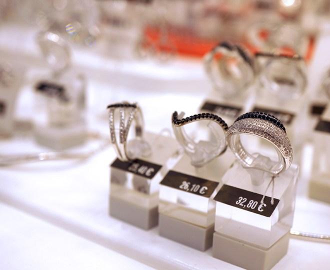 Shopping de bijoux manège à bijoux Leclerc Orvault grand val à côté de Nantes