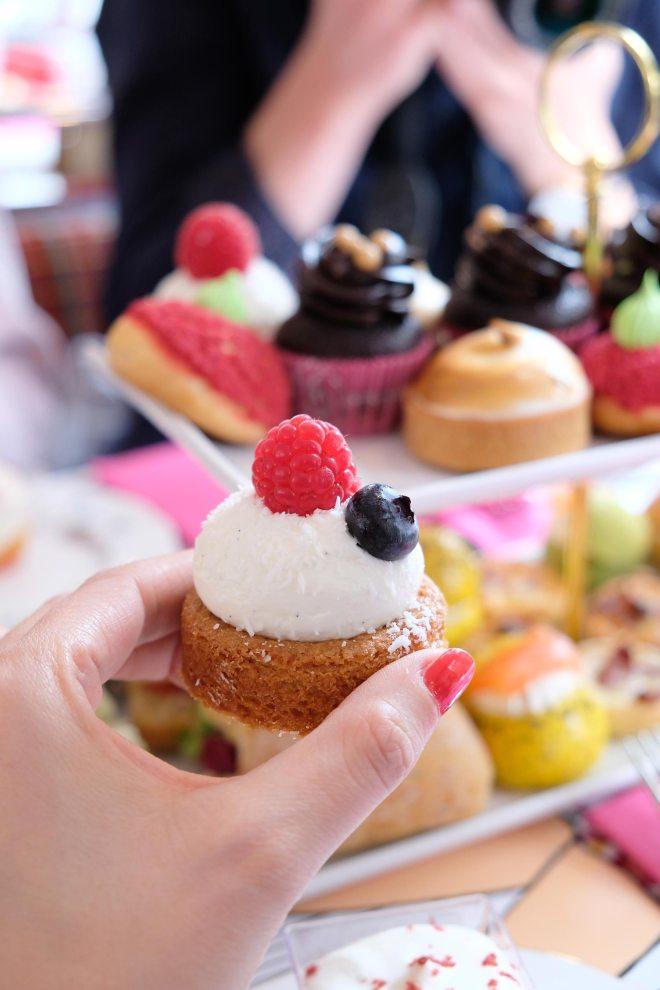 Balade gourmande dans Londres à bord du Afternoon tea bus tour