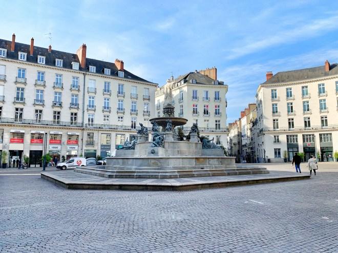 La place Royale à Nantes couverte de fleurs pour les Floralies