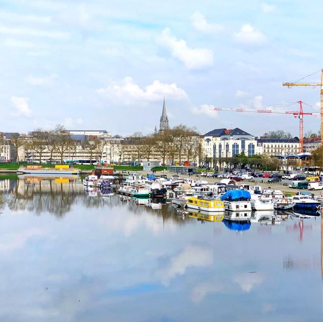 Le canal St Félix aux couleurs d'automne  à Nantes