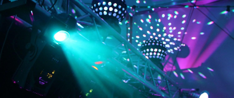 Eclairage - Nantes Sono (44) Location de matériel de sonorisation de lumière et de vidéo