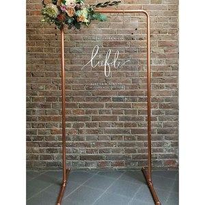 frame-liefde-welkomstbord--bruiloft-styling-koper-plexiglas-studio-naokies