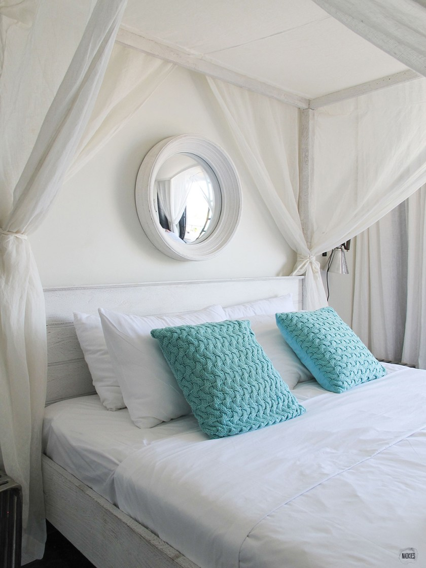 NAOKIES©_Boutique_Hotel_Pietermaai_bedroom_pillows_bed