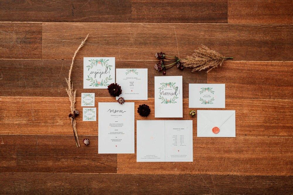 Zomerse bruiloft trouwhuisstijl met botanische elementen Summer Garden door Studio Naokies