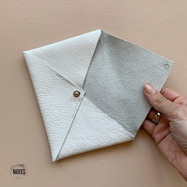 Leren envelop wit binnenkant Studio Naokies