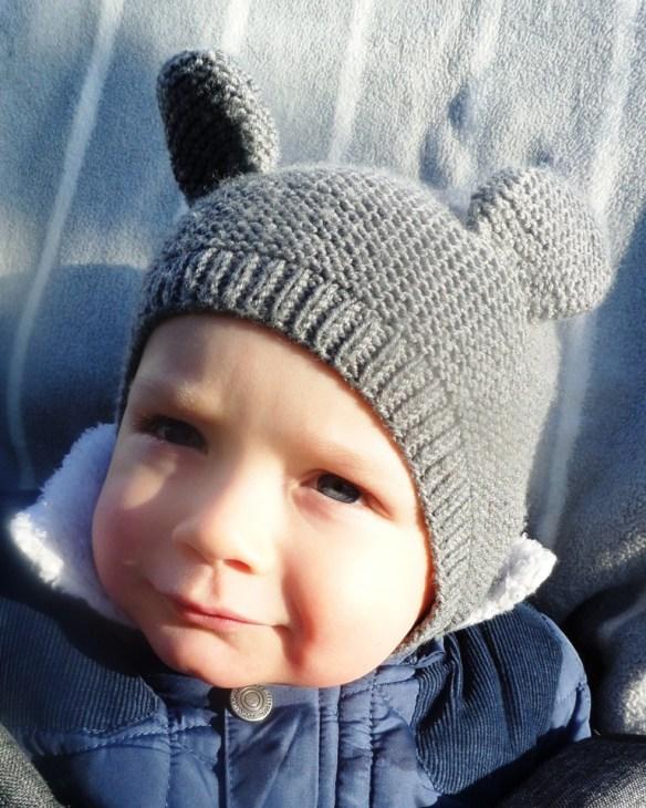 Wiązana czapeczka z uszami