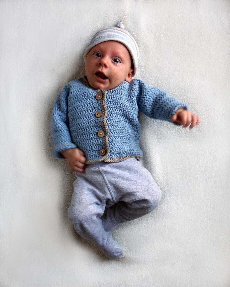 sweterek na szydełku dla chłopca 2