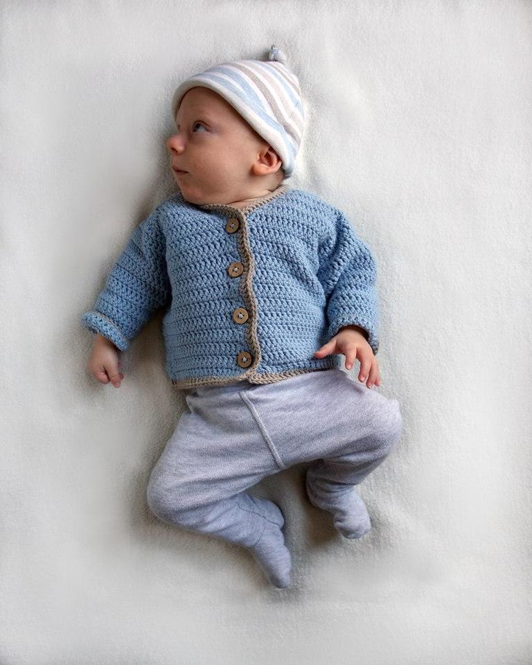 szydełkowy sweterek dla chłopca