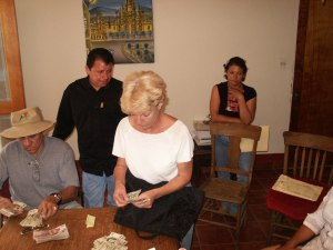 Counting out the cash deposit at the Notario