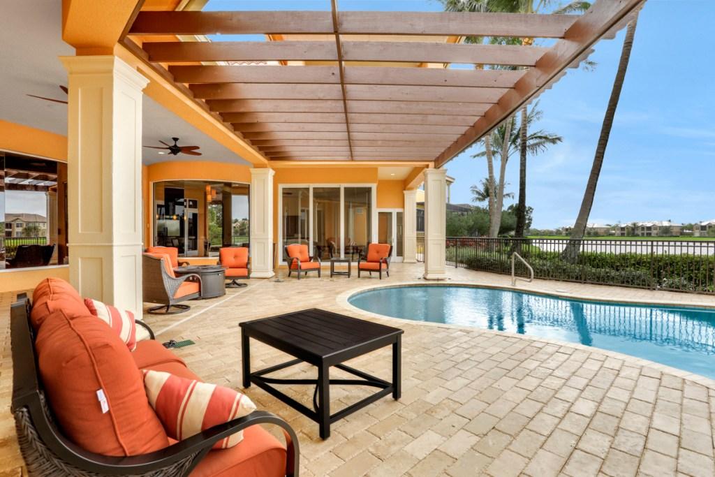 Luxury Lely Resort Home