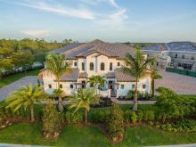 Florida golf community homes in Talis Park