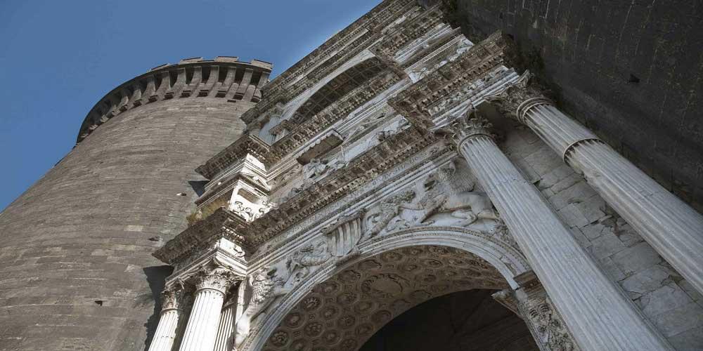 Maschio Angioino Arco di Trionfo
