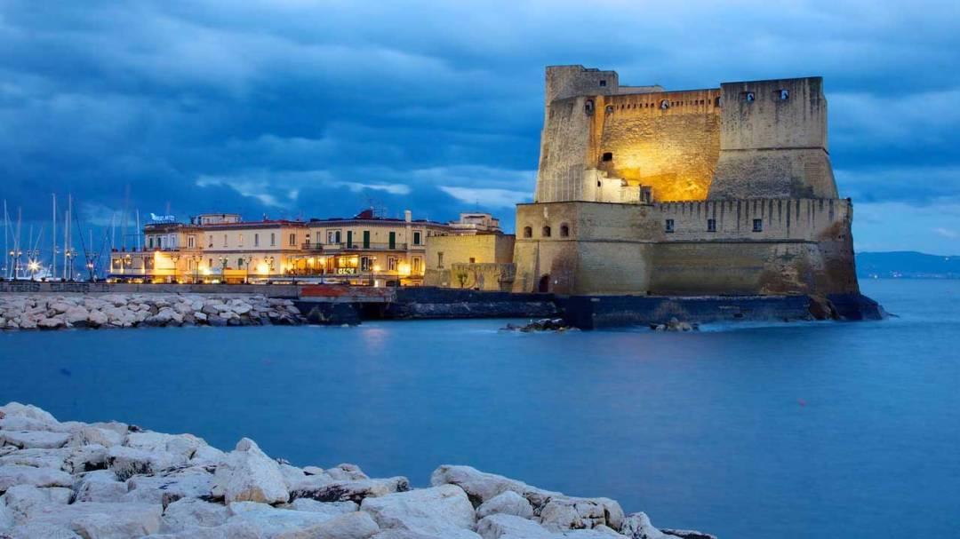 Castel dell'Ovo di Notte - Vista dal Lungomare