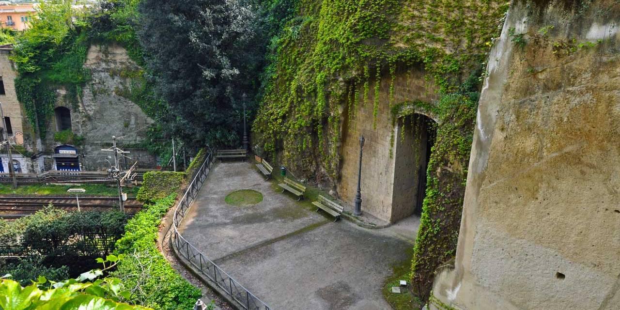 Parco Vergiliano e Crypta Neapolitana a Piedigrotta, Napoli