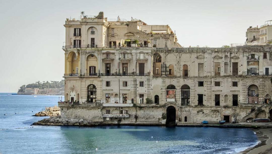 Palazzo donn'Anna - quartiere Posillipo, Napoli
