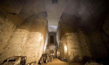 Galleria Borbonica, un affascinante labirinto sotterraneo di Napoli