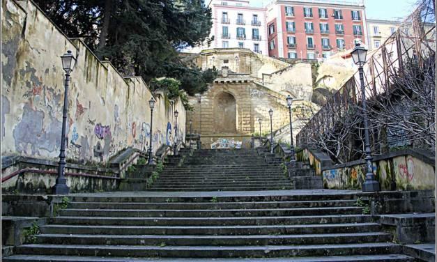 Le scale di Napoli : Napoli in salita e in discesa
