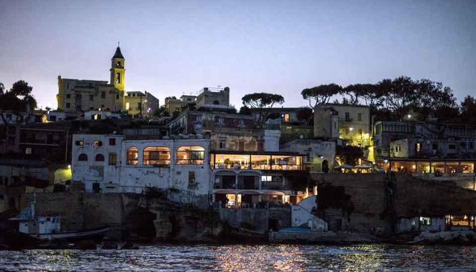 Borgo Marechiaro di notte