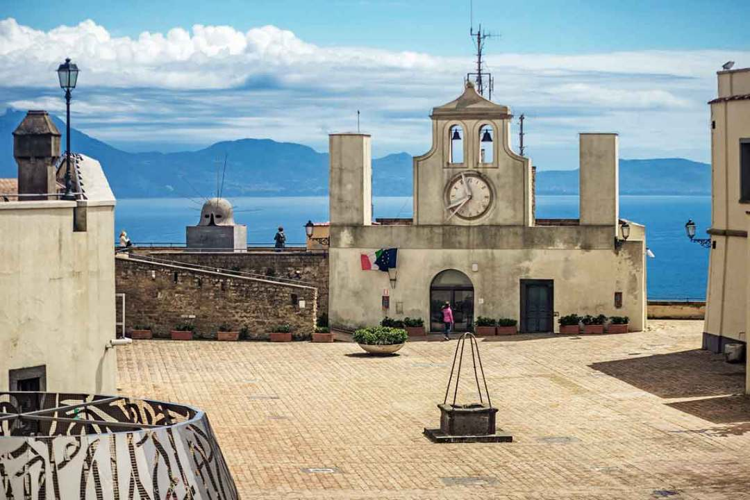 Castel Sant' Elmo Napoli - Piazza d'Armi