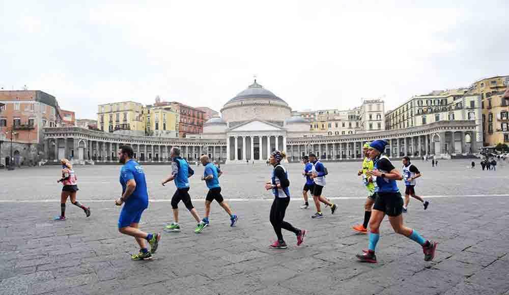 Napoli Piazza Plebiscito maratona