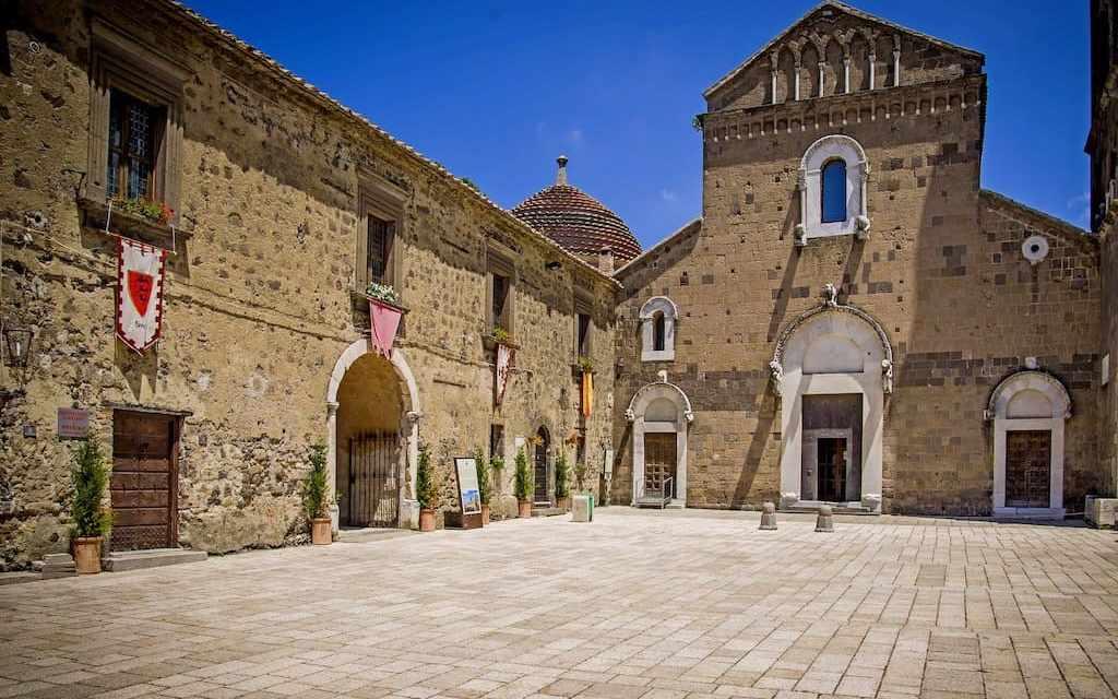 Casertavecchia il borgo medievale che domina Caserta