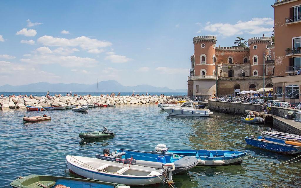 Un Posto al Sole sul mare di Posillipo (Soap Opera) - Napoli Turistica