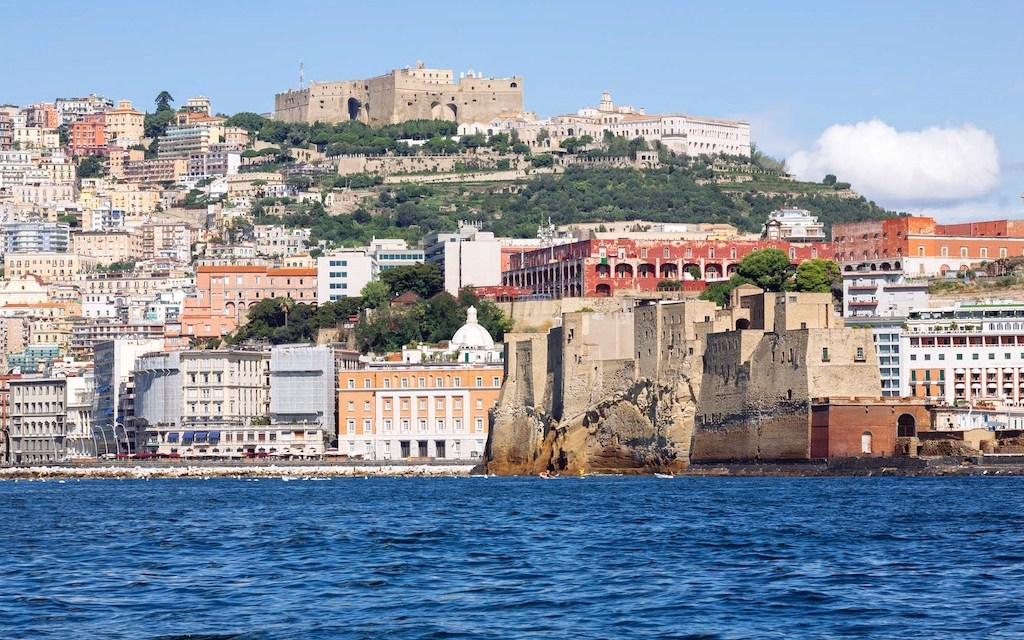 La leggenda dei colli di Napoli, miti e misteri partenopei