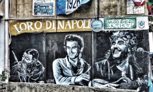 Street art a Napoli, i Quartieri Spagnoli omaggiano Totò e altri grandi artisti
