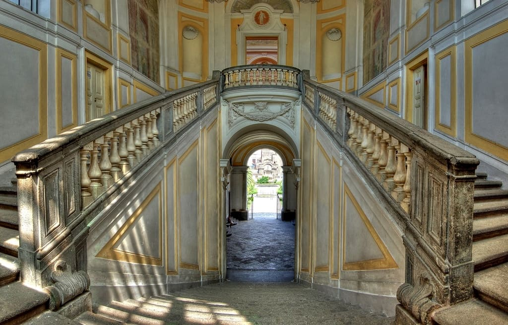 Walk In Art a Villa Campolieto Ercolano, Scalone