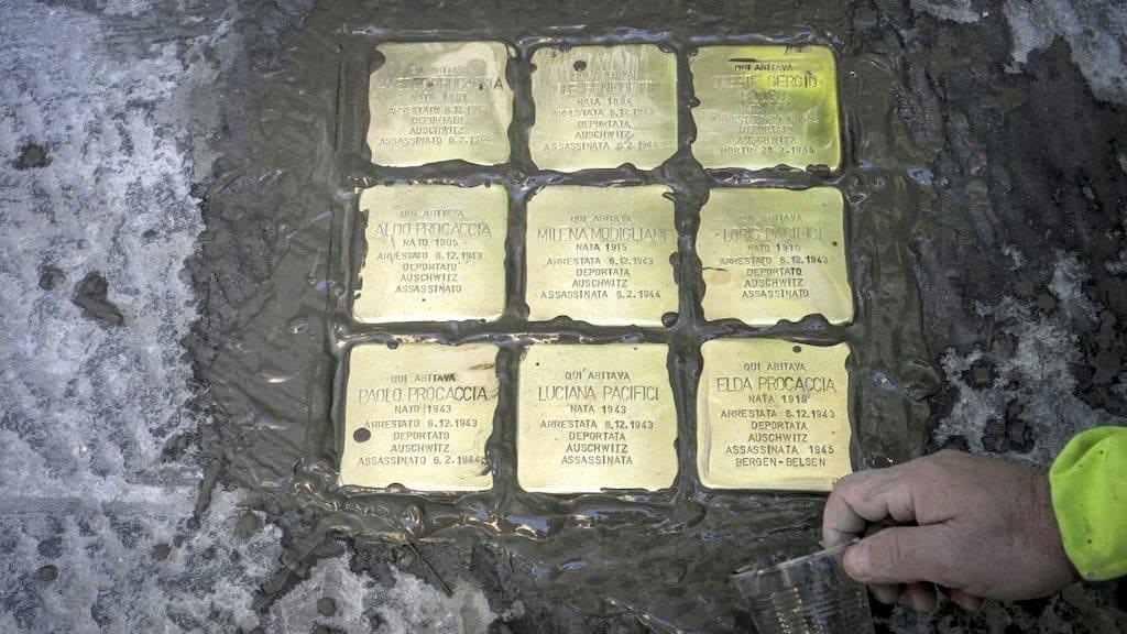 Le Pietre d'inciampo a Napoli: la città ricorda le vittime della Shoah