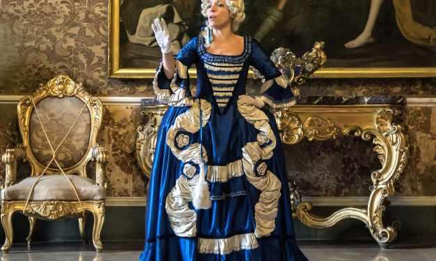 Ballo a Corte, visita teatralizzata a Palazzo Reale di Napoli (2020)