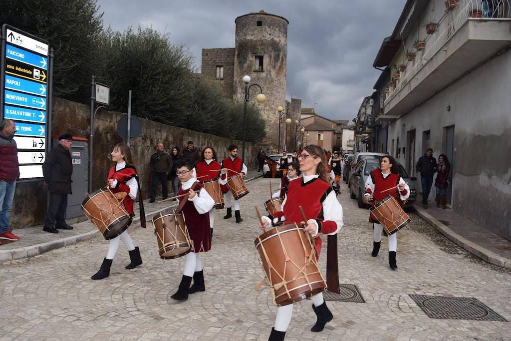 Sfilata per A Fest du Puorc a Puglianello