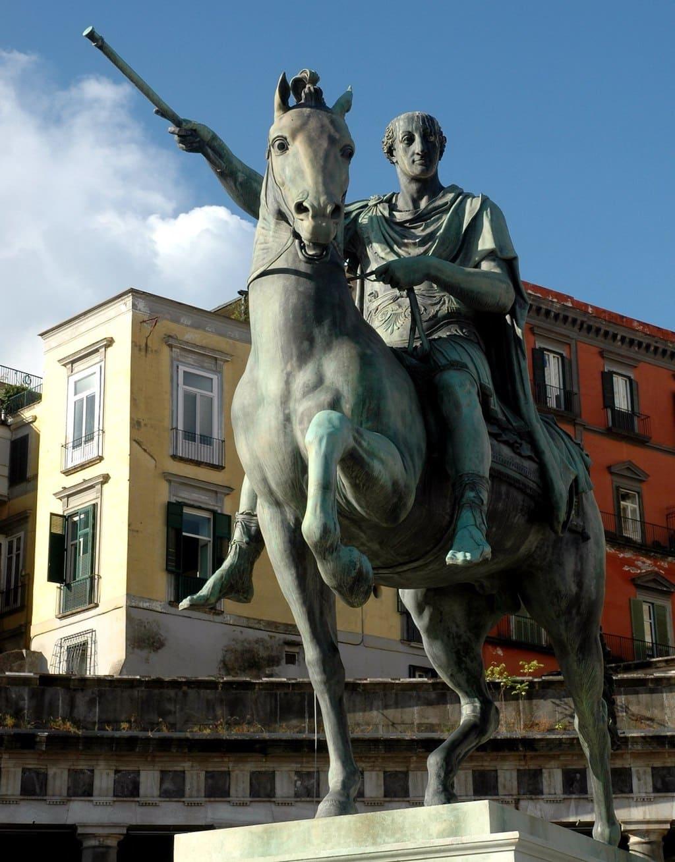 Statua equestre Carlo III Napoli