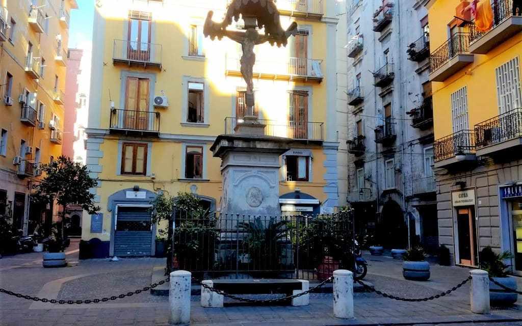 Crocifisso di Borgo Orefici, il simbolo di un quartiere di Napoli