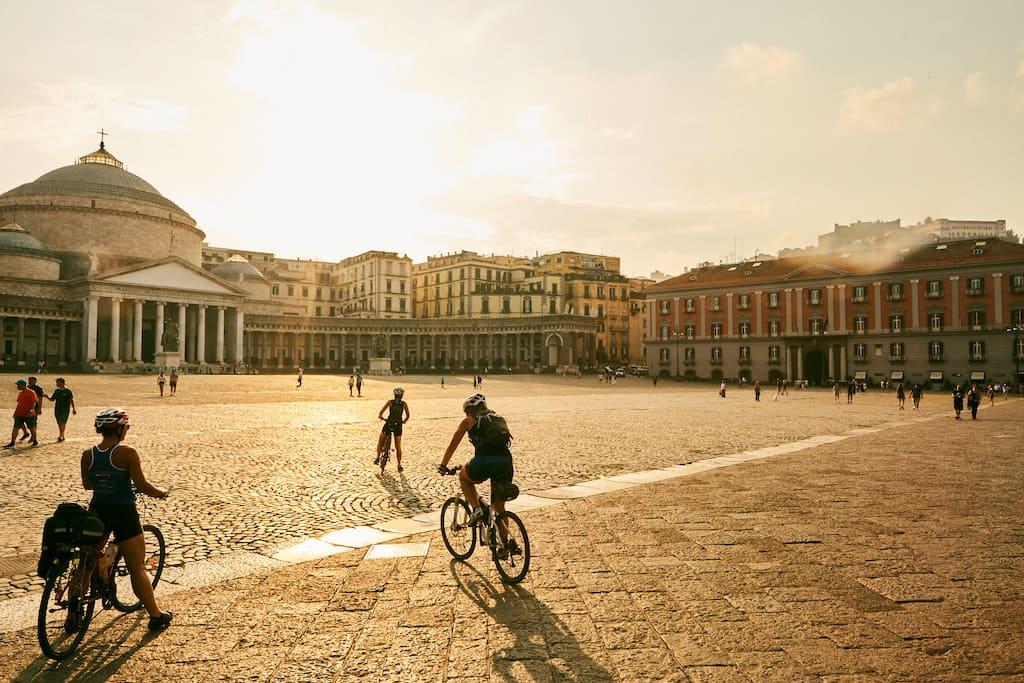 Napoli in biciclette - Bernardo Gasparini