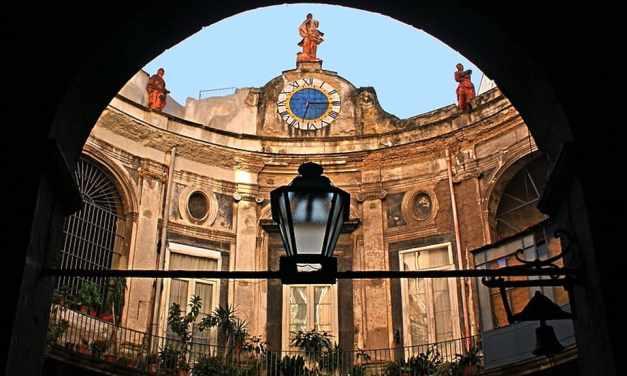 Palazzo Spinelli di Laurino a Napoli, tra arte, storia e leggenda