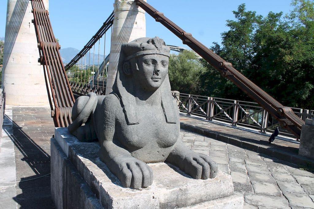Ponte Borbonico Sfinge