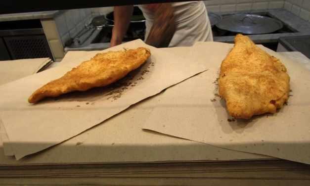 Pizza fritta napoletana: storia e curiosità