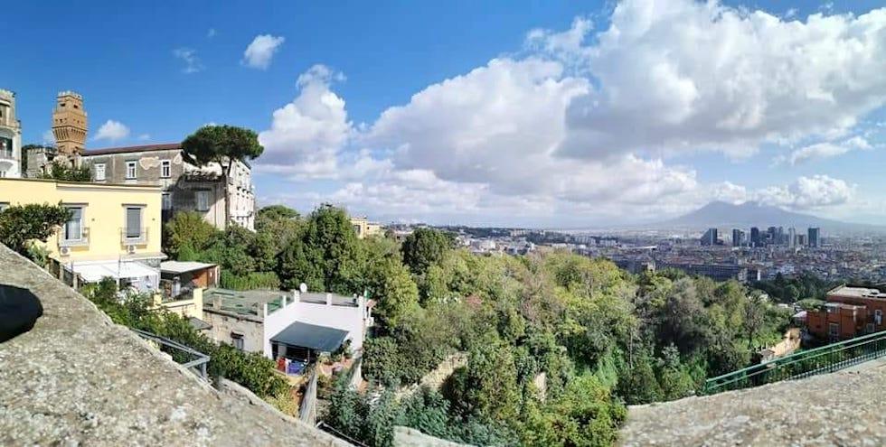 Tour di Napoli in discesa: dal Moiariello alla Sanità