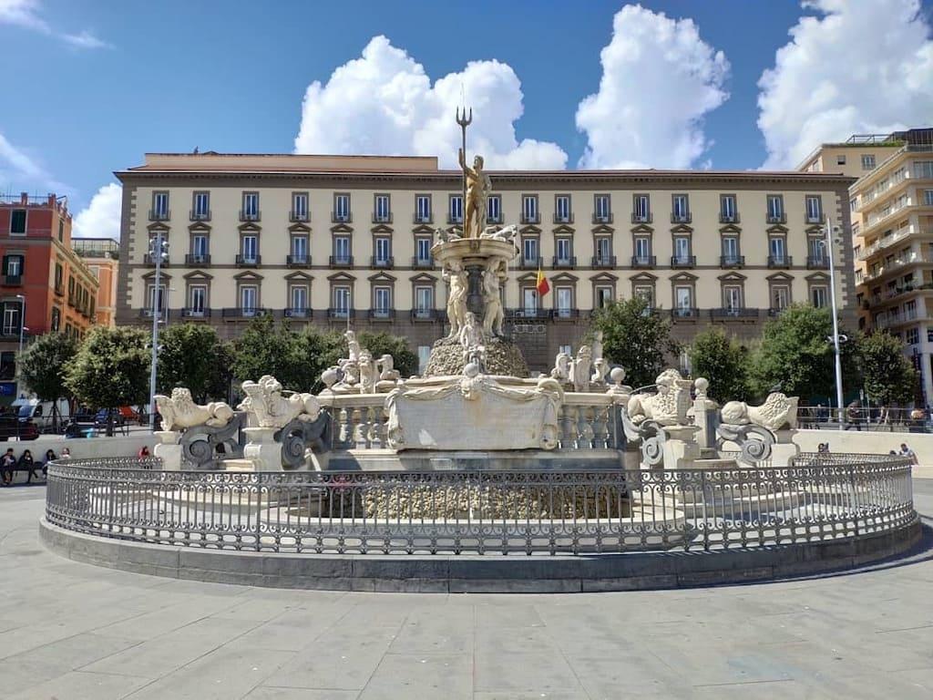 Piazza Municipio Napoli