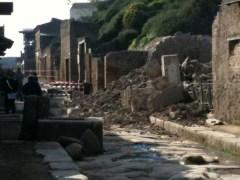 Pompei, crolla l'Armeria dei Gladiatori1