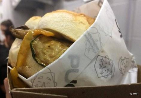 Egidio-Cerrone-apre-Puok-Burger-Store-ecco-Zappatore-640x443