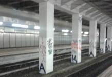 Fuorigrotta: crollano calcinacci nella stazione della cumana