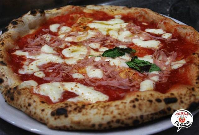 Calcio Napoli: pizza gratis ai tifosi per la partita contro il Milan