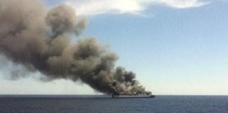 Incendio sulla nave da crociera Sea Dream: a bordo 165 persone