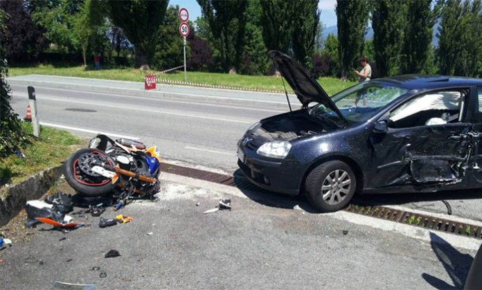 Incidente a Pozzuoli, terribile scontro in via Campana