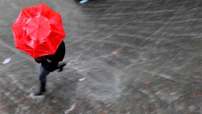 Previsioni meteo Napoli, oggi: cielo cupo e piogge no stop
