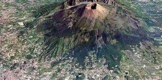 """Vesuvio, il vulcanologo: """"Esplosione imminente, non ci sarà scampo"""""""